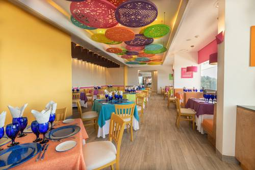 Restaurante  frida hotel grand park royal puerto vallarta