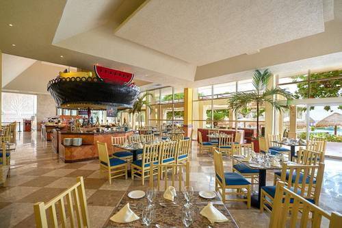 Cocay  restaurant grand park royal cancun hotel