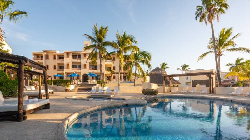 Outdoor swimming pool park royal homestay los cabos hotel