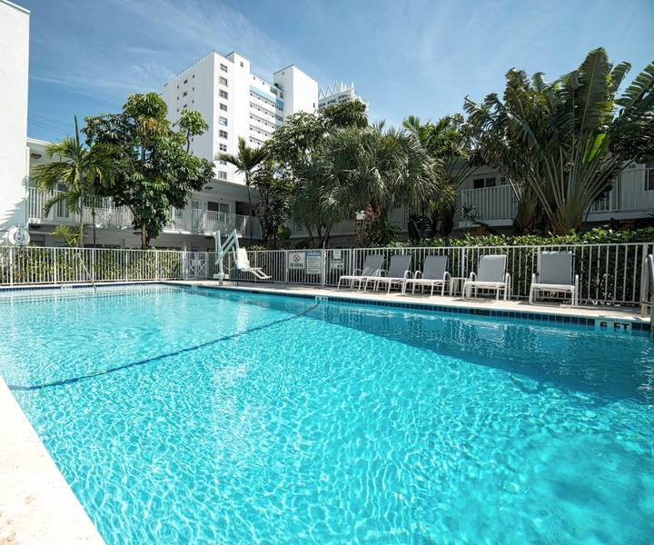 Piscina al aire libre hotel park royal miami beach
