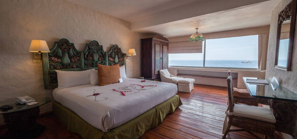 Presidential suite park royal beach ixtapa hotel